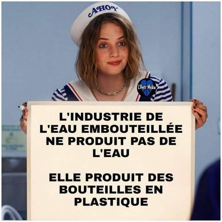 L'industrie de l'eau produit des bouteilles en plastique